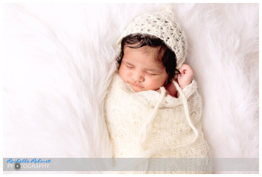 Meet 4 week old Aayrah | Newborn Photographer Point Cook
